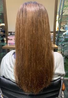 サロントリートメントでまとまりのある髪に・・・。