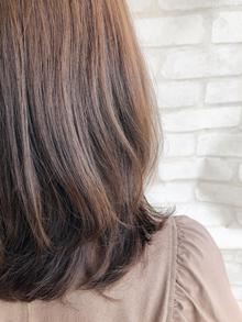 女性らしさアップのヘアスタイル